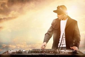 —— DJ ——